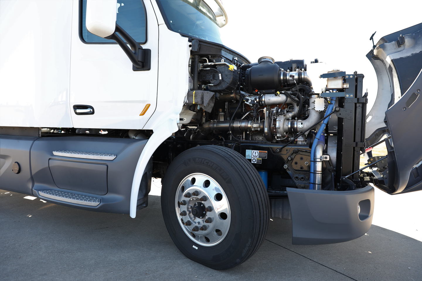 Achates Power's 10.6L heavy-duty diesel engine in a Peterbilt 579 truck which will be driven in fleet service in California later in 2021.